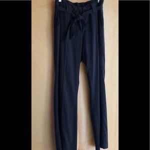 Athleta black elastic-waist pants with tie belt